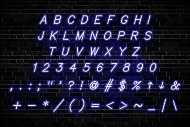 バイオレットネオンは、暗いレンガの壁に大文字、数字、記号に署名します Premiumベクター