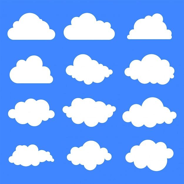Набор из двенадцати различных облаков на синем фоне. Бесплатные векторы