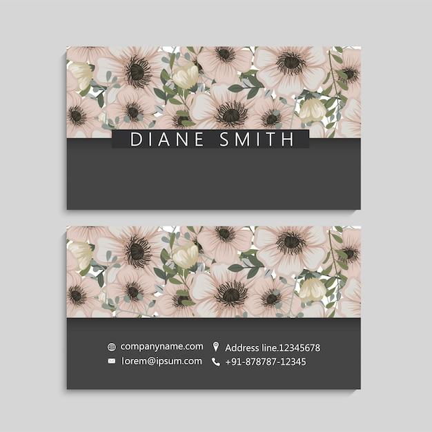 Винтажная визитная карточка с цветами и ягодами Бесплатные векторы