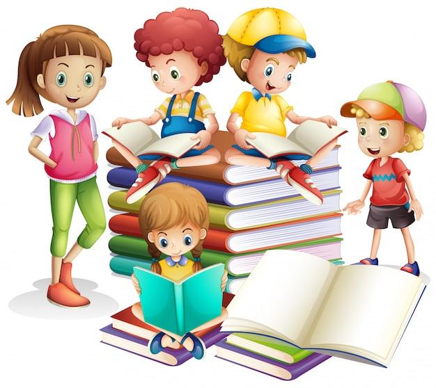Симпатичные мальчик и девочка, читающие книги Бесплатные векторы