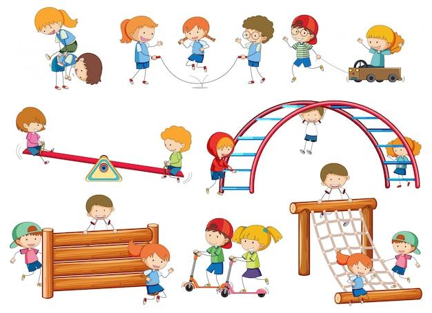 Простые дети болваны играют на игровом оборудовании Бесплатные векторы