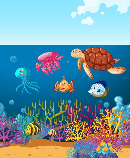 Морские животные, плавающие под океаном Бесплатные векторы