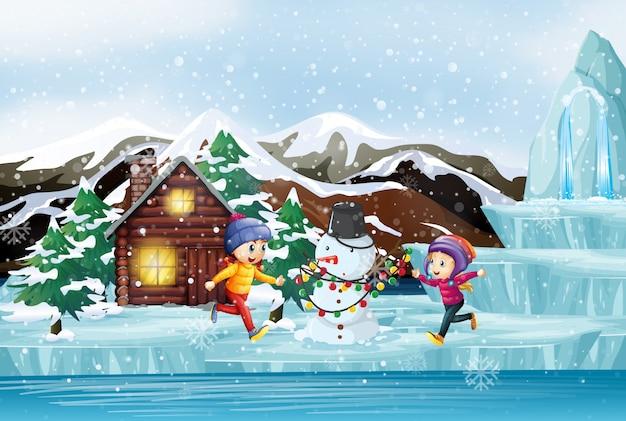 Рождественская сцена с двумя детьми и снеговиком Бесплатные векторы