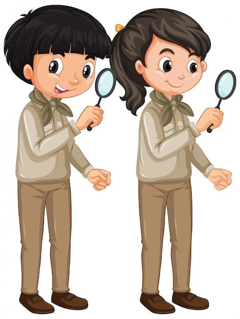 Мальчик и девочка в форме разведчика на белом Бесплатные векторы