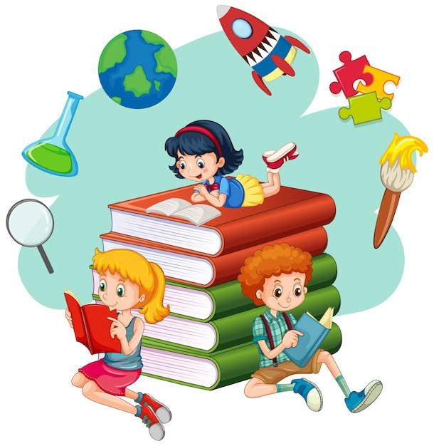 Три ребенка, читающие книги | Премиум векторы