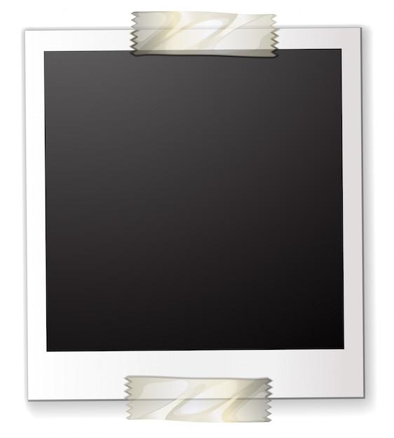 Поляроид, прикрепленный к листу бумаги Бесплатные векторы