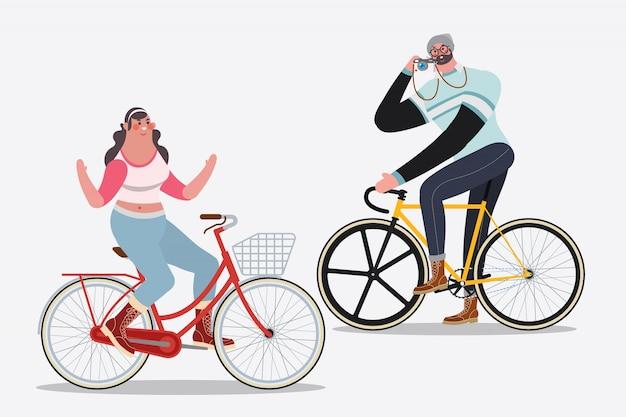 Векторные иллюстрации. мужчины, катающиеся на велосипедах, фотографирующиеся женщина верхом на велосипеде без ручек Бесплатные векторы