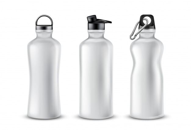 背景に隔離された飲み物のための蓋付きの空のプラスチックボトルのセット。 無料ベクター