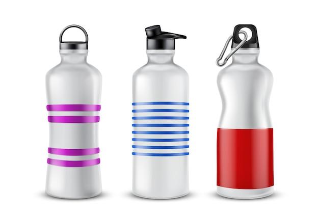 背景に隔離された飲み物のための蓋付きストライプのプラスチックボトルのセット。 無料ベクター