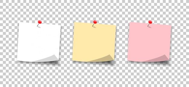 Бумажные записки закреплены кнопкой. установить наклейки заметки к сообщению. Premium векторы