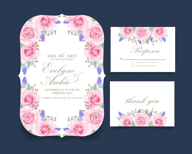 ピンクのバラとムスカリの花と花の結婚式の招待状 Premiumベクター
