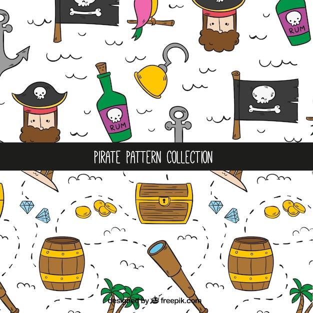 Декоративные узоры с рисованными пиратскими элементами Бесплатные векторы