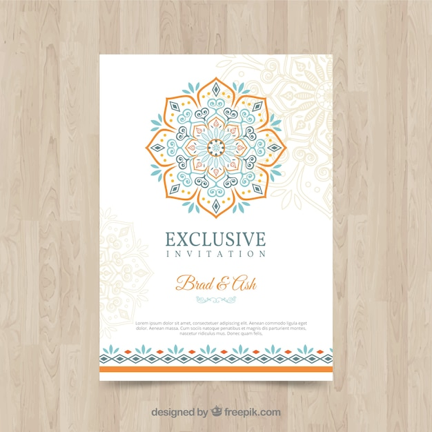 カラフルな曼荼羅と素敵な結婚式の招待状のテンプレート 無料ベクター