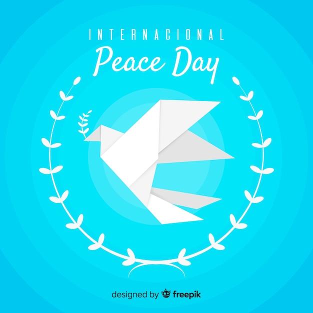 折り紙の鳩と平和の日の背景 無料ベクター