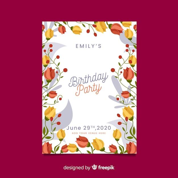 Цветочный шаблон приглашения на день рождения Бесплатные векторы