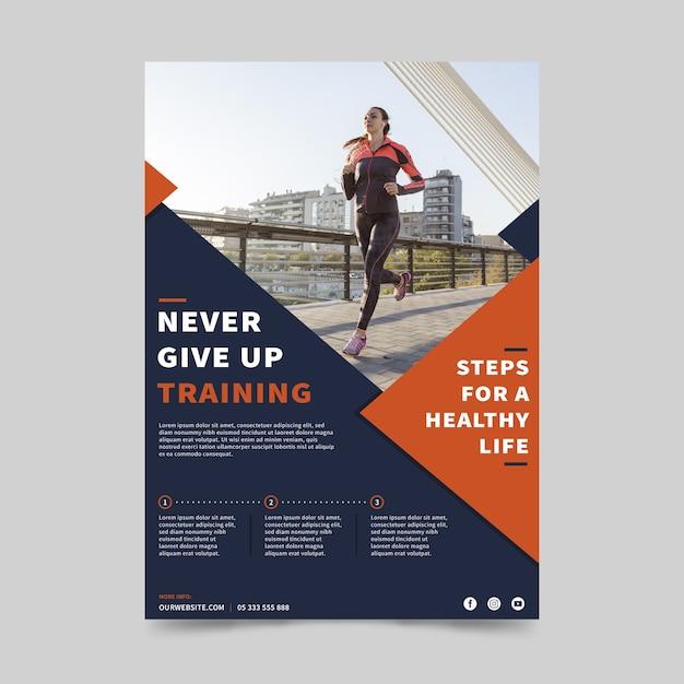 Спортивный флаер шаблон с фотографией бегущей женщины Бесплатные векторы