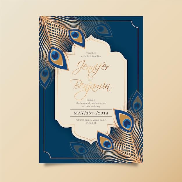 Шаблон свадебного приглашения с перьями павлина Бесплатные векторы