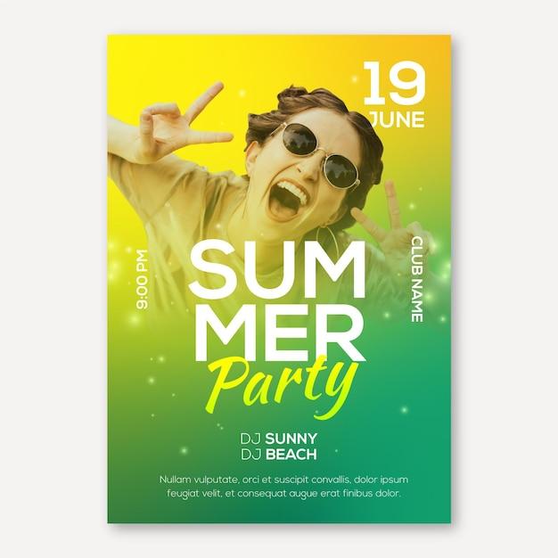Шаблон плаката на летней вечеринке с фото Бесплатные векторы