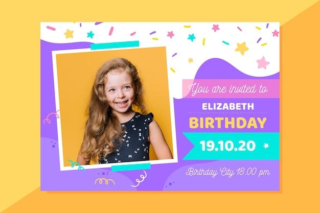 写真で乙女チックな誕生日の招待状 無料ベクター