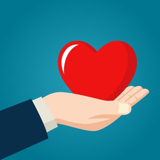 Открытка руки держат сердечко