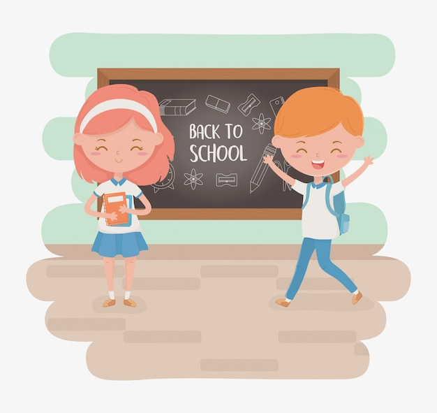Маленькая пара студентов с доске и школьных принадлежностей Бесплатные векторы
