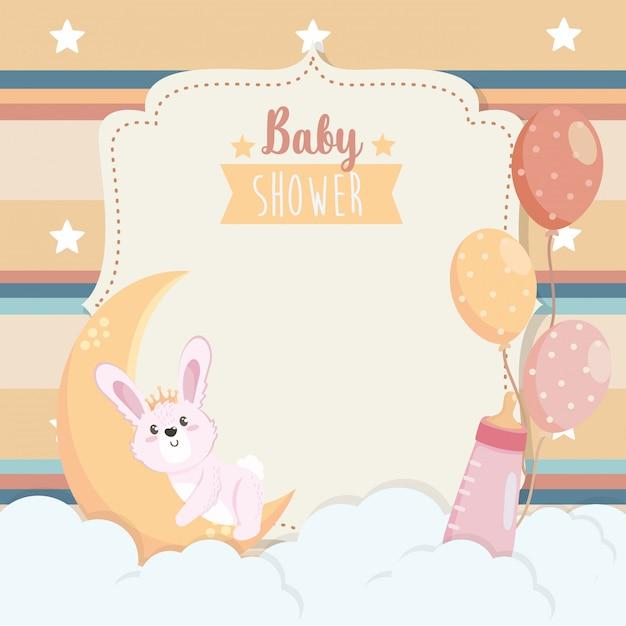 月と哺乳瓶とかわいいウサギのカード 無料ベクター
