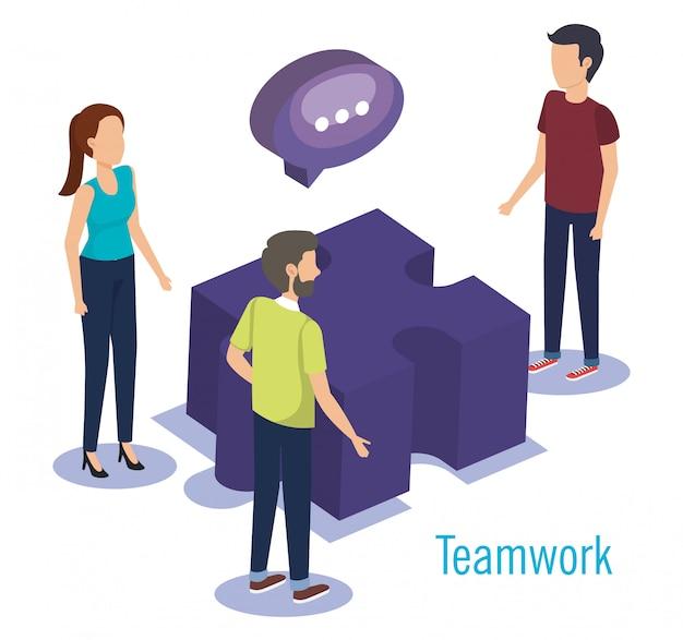 Группа людей, работа в команде с головоломкой Бесплатные векторы
