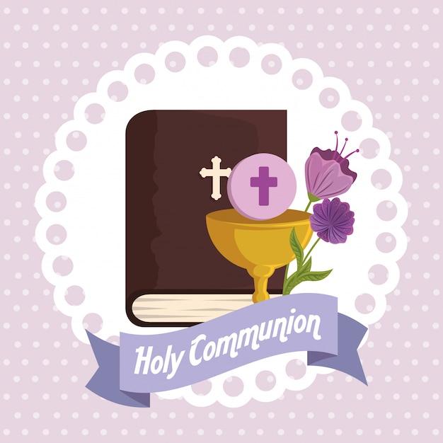 Библия с чашей и святым хозяином религиозного события Бесплатные векторы