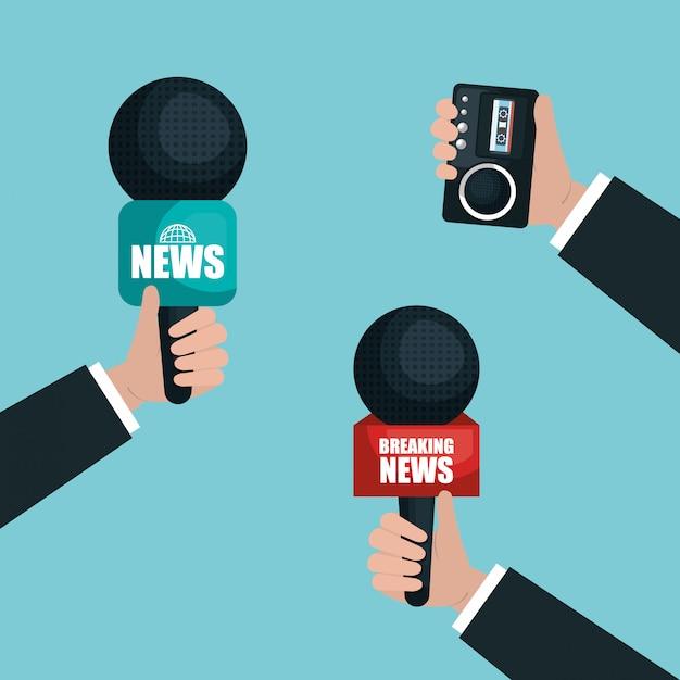 Руки держат микрофоны и диктофон Бесплатные векторы