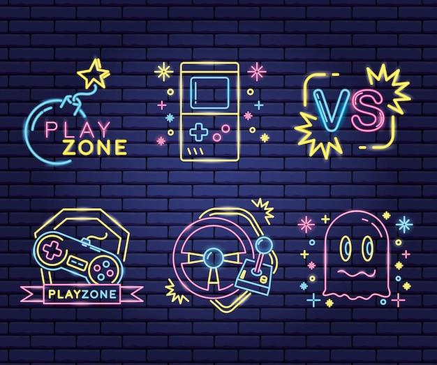 Набор объектов, связанных с видеоиграми в неоновом и лиенальском стиле Бесплатные векторы