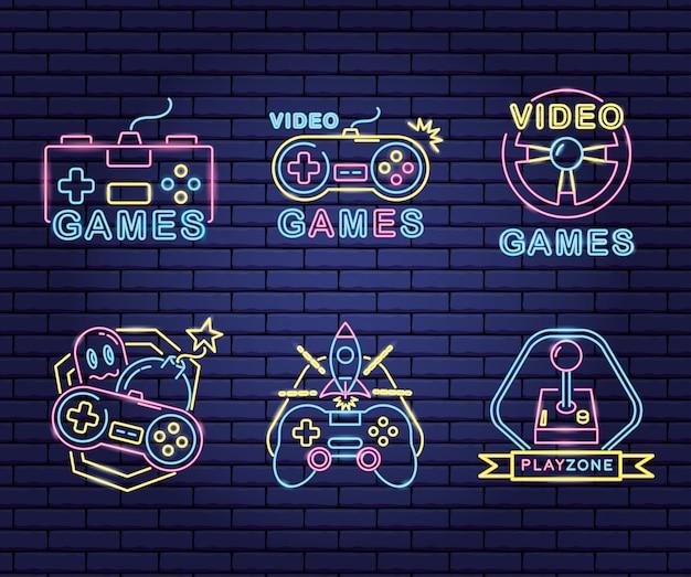 ネオンと嘘つきスタイルのビデオゲームに関連するオブジェクトのセット 無料ベクター