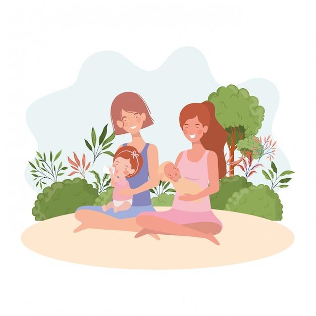 Симпатичные беременные мамы сидят, поднимая малышей в лагере Premium векторы