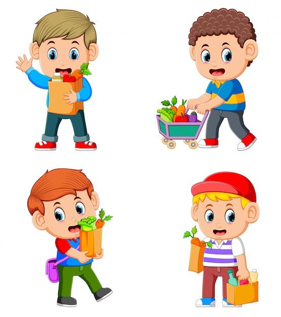 野菜や果物と食料品の買い物袋を保持している若い男のコレクションを設定します。 Premiumベクター