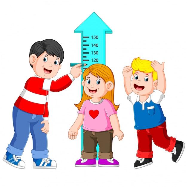 父親の身長測定で子供の身長を測定 Premiumベクター