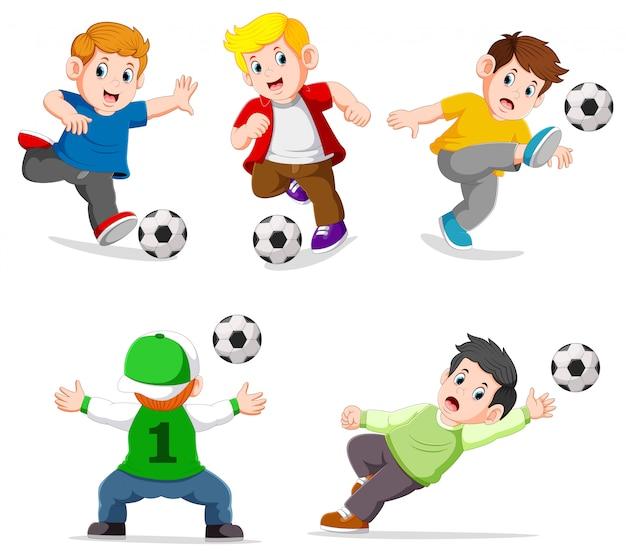 異なるポーズでサッカーをしているコレクション少年 Premiumベクター