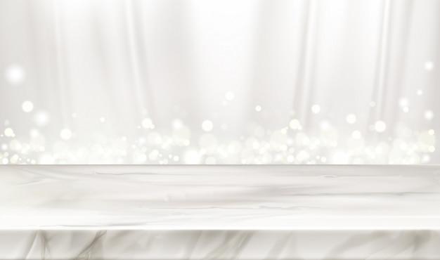 Мраморная сцена или стол с белыми шелковыми шторами и сияющими блестками. Бесплатные векторы