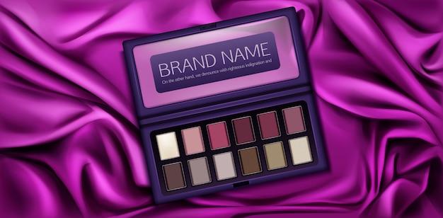 Набор макетов для теней для век с образцами краски бордового, розового, коричневого и ванильного цветов. Бесплатные векторы