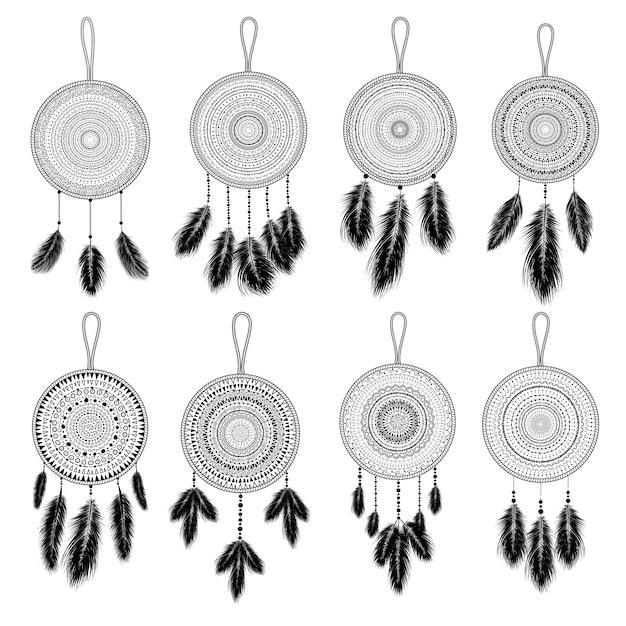 Ручной обращается индийский ловец снов с перьями. этнический дизайн, бохо-шик, племенной символ. Premium векторы