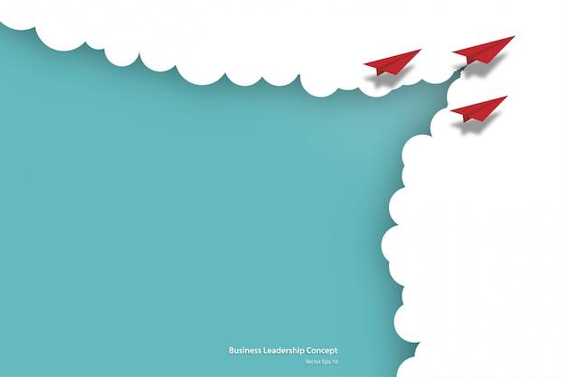 Бумажные самолеты, летящие из облаков на небе Premium векторы