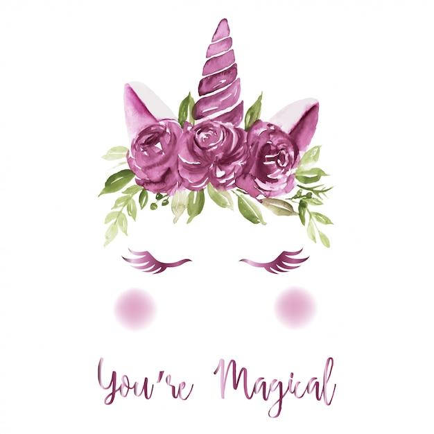 Рога единорога, украшенные фиолетовыми акварельными розами Premium векторы