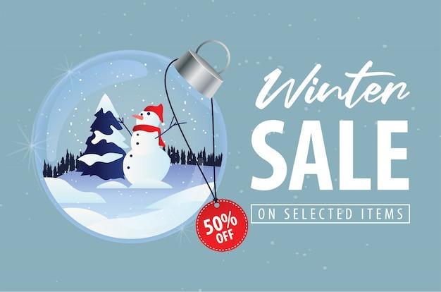 クリスマス雪だるまクリスタルボールの背景を持つ冬セール割引オファー Premiumベクター