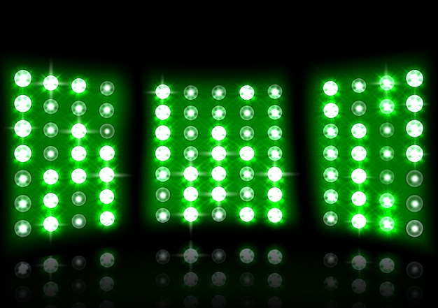 Реалистичный прожектор стадиона на темном фоне Premium векторы