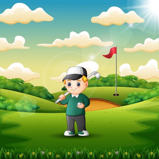 Счастливый мальчик играет в гольф в суде Premium векторы