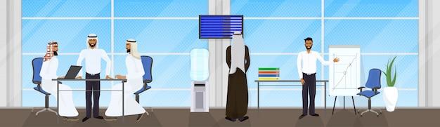Совещание группы арабских деловых людей, мозговой штурм, презентация или конференция мусульманских бизнесменов Premium векторы