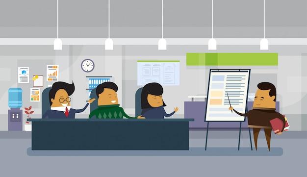 近代的なオフィスにプレゼンテーションまたは財務報告を保持しているアジアビジネス男 Premiumベクター