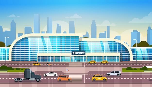 Здание аэропорта, современный терминал, экстерьер с автомобилями Premium векторы