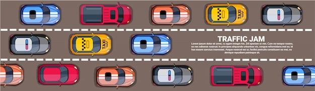 Верхняя часть пробки шоссе над взглядом с дорогой полной различных автомобилей горизонтальный баннер Premium векторы
