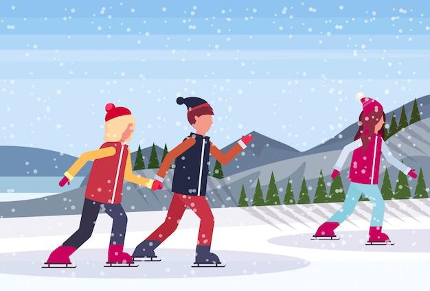 凍った湖でスケートをする人々 Premiumベクター