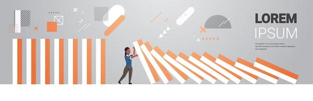 Горизонтальные вектор бизнес-леди эффект кризис доминантность кризис кризис кризис противодействие вмешательство концепция полная длина предотвращение Premium векторы