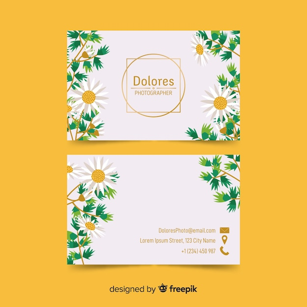 Цветочная визитка с золотым акцентом шаблона Бесплатные векторы